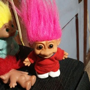 Russ pink haired troll